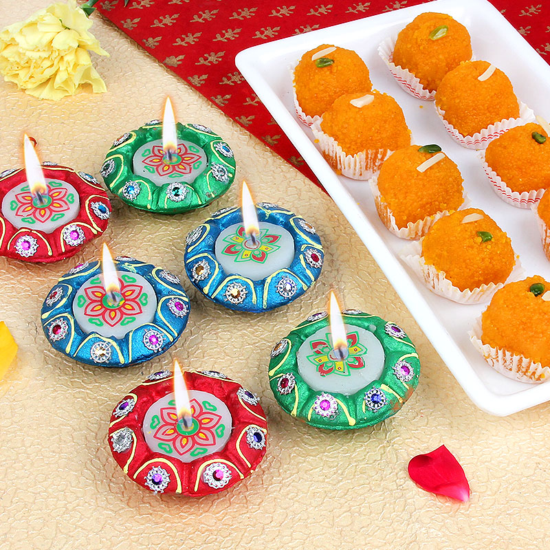 Designer Diyas With Motichoor Sweets