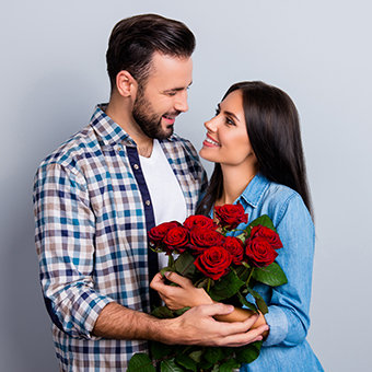 Send Anniversary Gift to Couples