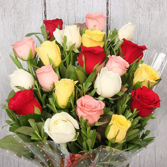 20 Mixed Color Roses with Zoomed in View