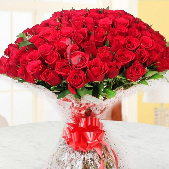 150 Red Roses Bunch with Front View