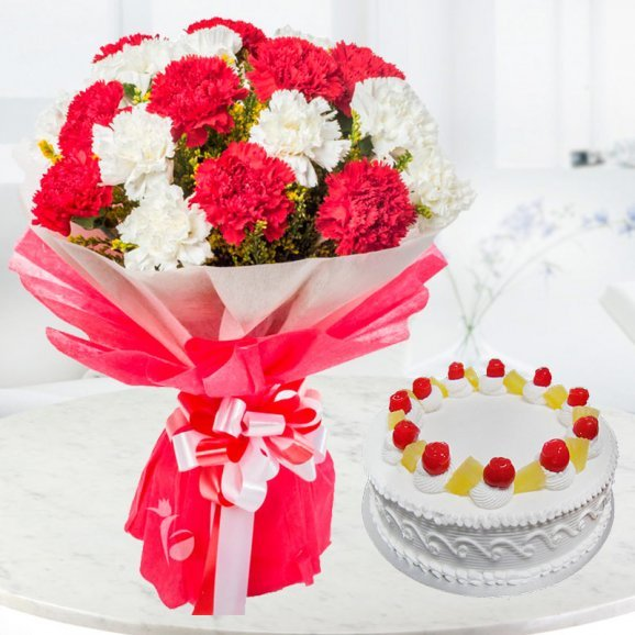 10 Carnation flowers with 1/2 kg pineapple cake