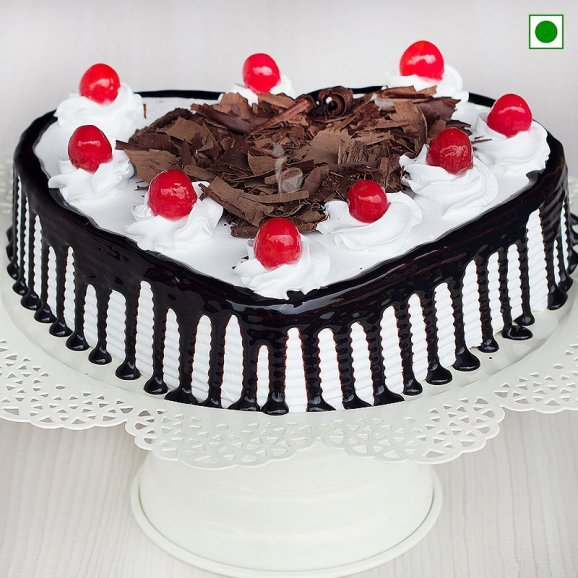 Heart Shaped Blackforest Cake 1 Kg Eggless