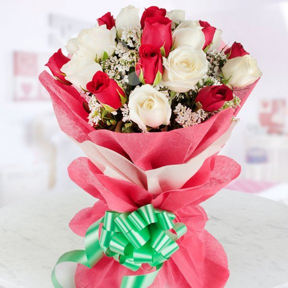 10 Red Roses and 10 White Roses Bouquet