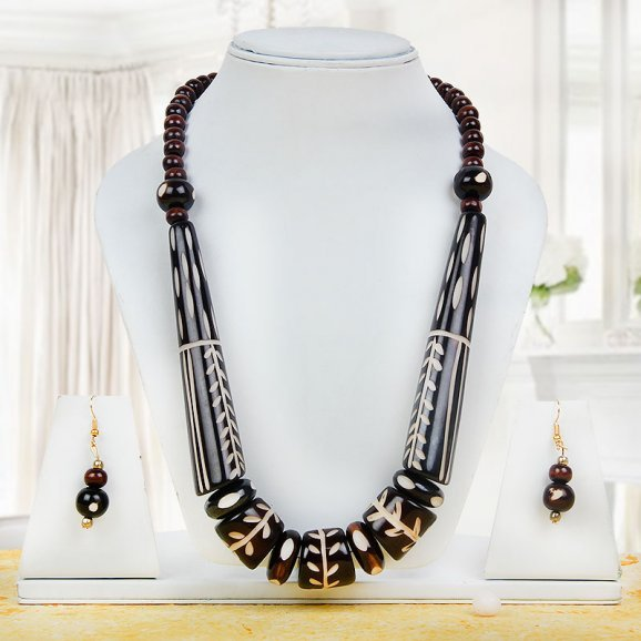 chocolate colored beaded necklace and earings