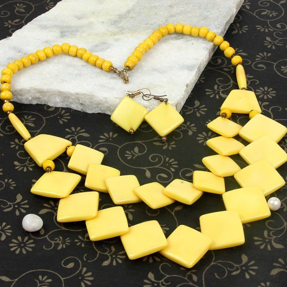 blissful yellow necklace set