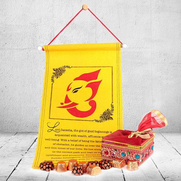 Sweet Wishes – Diwali Wishes scroll, Chocolate Zari Box