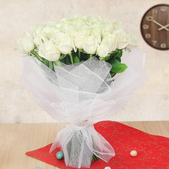 Bunch of 40 White Roses with Front View