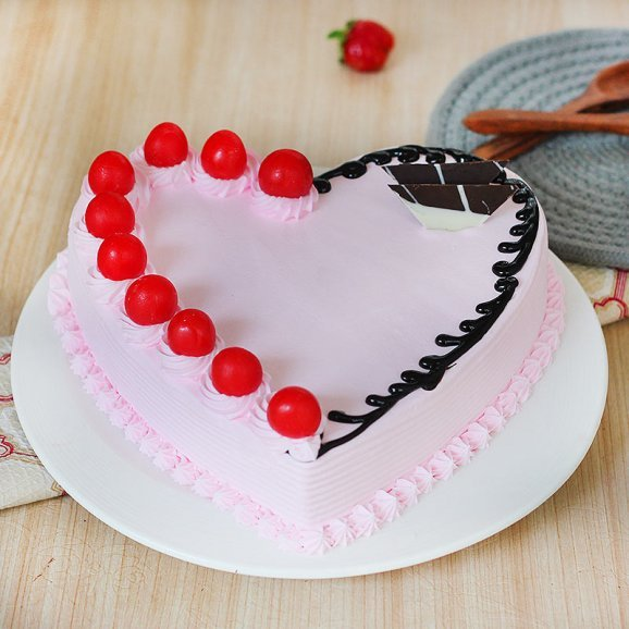 Strawberry Flavor Heart Shaped Cake