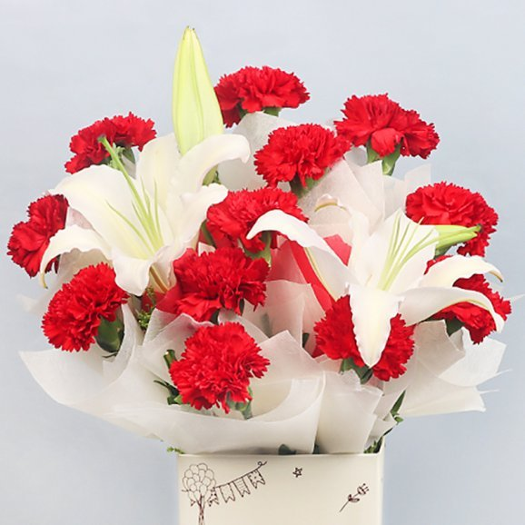 12 Red Carnations and 2 Lilies in Birthday Box with Zoomed View