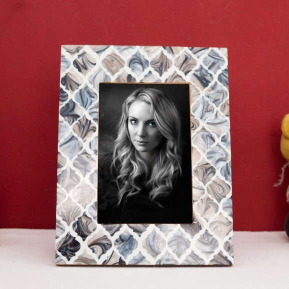 Handcrafted MOP Look Resin Table Photo Frame with Oblique View