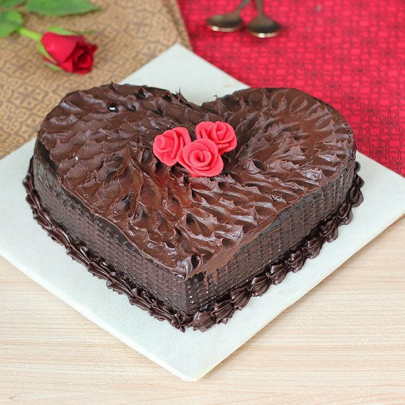 Chocolicious Heart Cake with Normal View