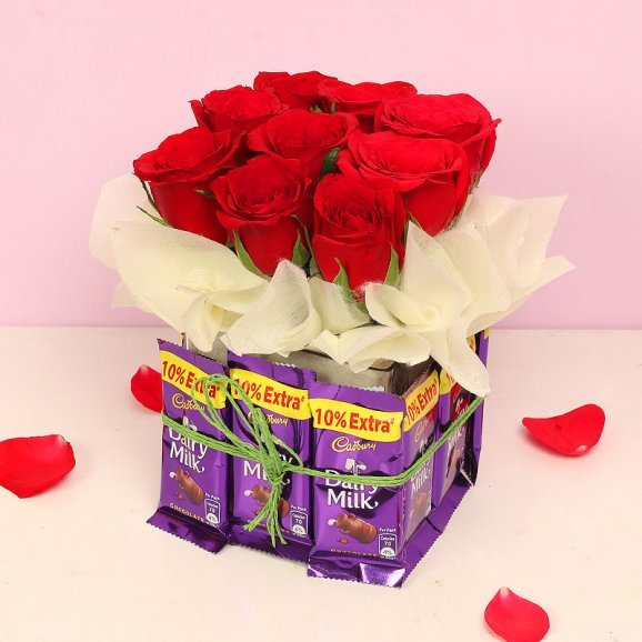 Chocolates and Roses Combo in a Glass Vase