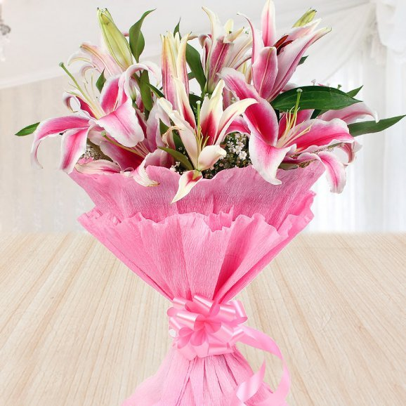 Bouquet of 6 pink lilies - Second gift of Dreamy Creamy Love