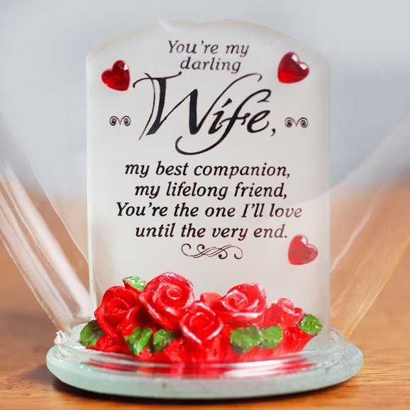 Heart Shaped Glass Quotation for Wife with Zoomed in View