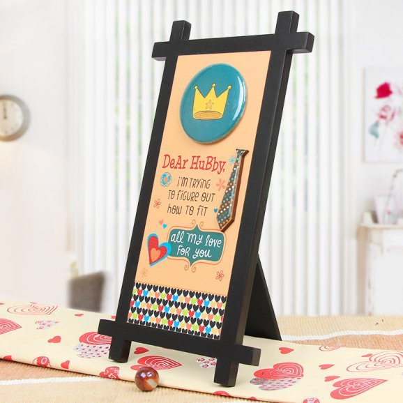 Dear Hubby Quotation Table Stand with Oblique View