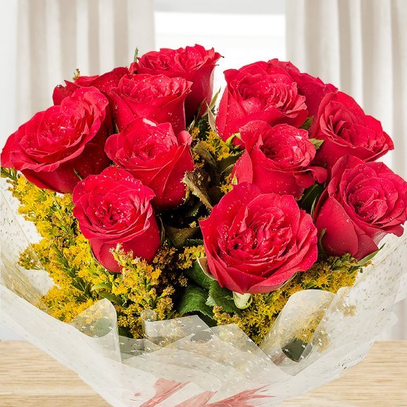 Zoomed view of bunch of 12 red Roses - A gift of Love And Luck Hamper