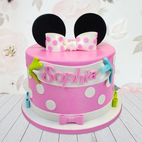 Minnie mouse cake for little girls