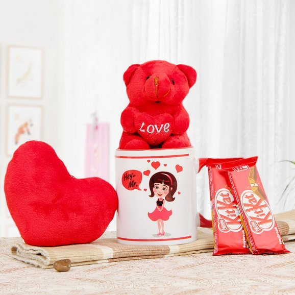A Lovely Combo of a Mug with a Teddy and 2 Kitkats