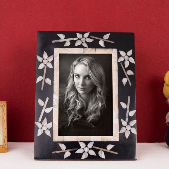 HandCrafted Black MOP Look Resin Photo Frame