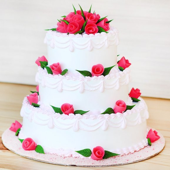3 tier vanilla cake - 2nd gift of Statuesque Beauty