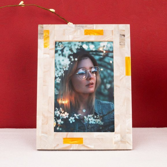 HandCrafted Brown MOP Look Resin Table Photo Frame