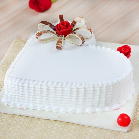 Heart Shaped Vanilla Cake With Rose On Top - Zoom View