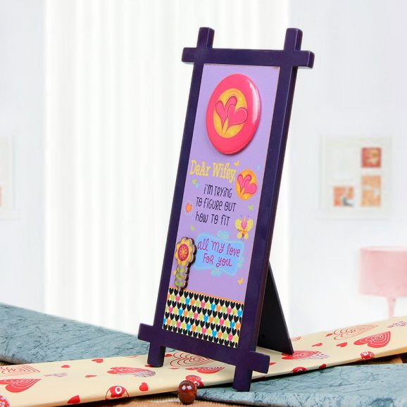 Dear Wifey Quotation Table Stand with Oblique View