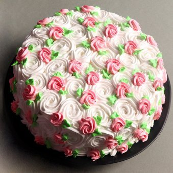 Rose swirls strawberry cake - Top View
