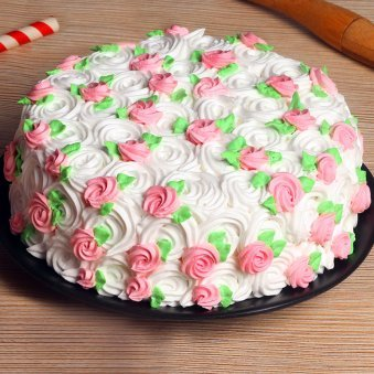 Rose swirls strawberry cake