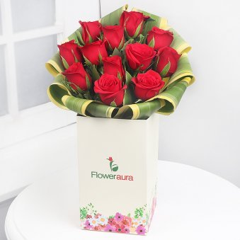 12 Red Roses in Floweraura Box