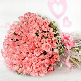 Bunch of 100 fresh pink roses in Horizontal View