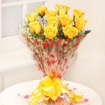 Caring Heart Bunch Of 12 Yellow Rose flowers - for online delivery in Mumbai