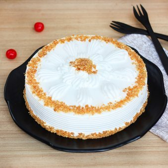 Lip smacking Butterscotch Cake 1/2 Kg for Farewell