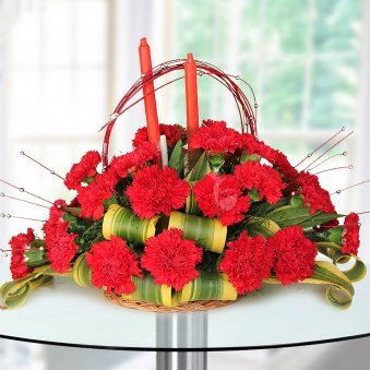25 Carnations bunch in an Oval shape with candle