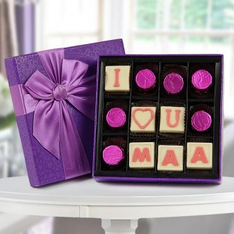 I love you Maa chocolate in a purple box