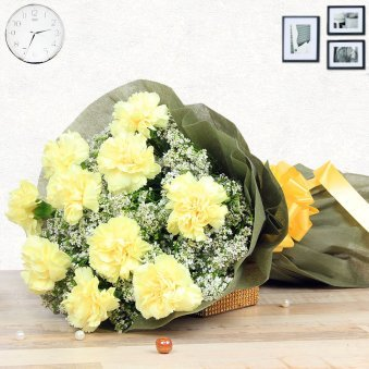 15 Yellow Carnations
