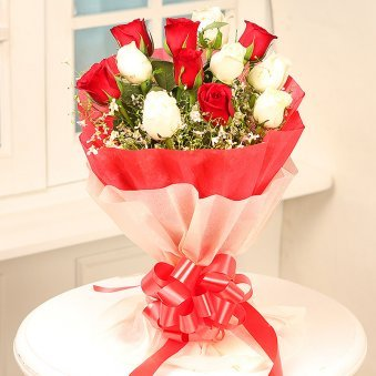 Stunning Beauty 12 Mixed Red And White Rose Flowers - delivery in Delhi