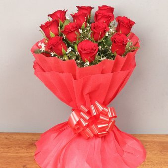 Bunch of 12 Red Roses for Valentines Propose Day
