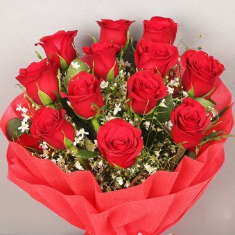 Bunch of 12 Red Roses for Valentines Day