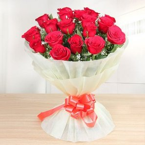 18 Red Roses Bunch
