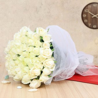 Bunch of 40 White Roses