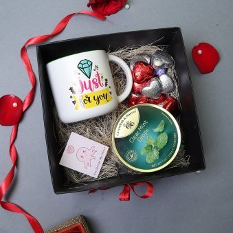 Mugs with Chocolates Hamper