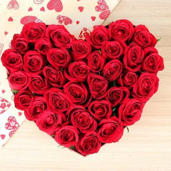 35 red roses heart shape bunch - A gift of Breathtaking Exuberance