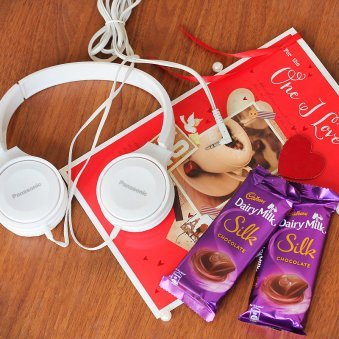 Chocolates and Card with Headphones Combo