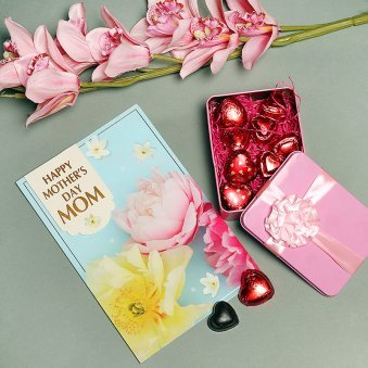 Combo of Happy Mothers Day Card with Chocolates