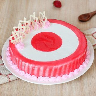 Strawberry Cake with Centered Filled