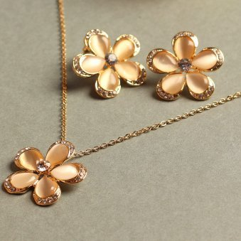 Gold Colour Plated Flower Shaped Jewellery Set