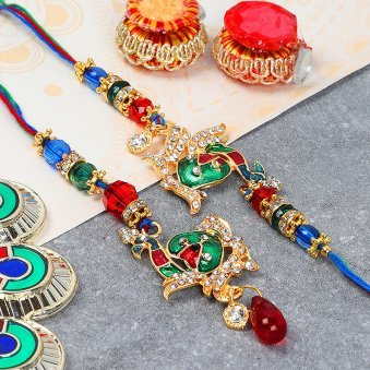 Graceful Rakhi for Bhaiya Bhabhi
