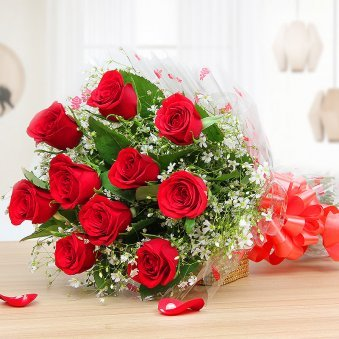 10 red roses bunch - Part of KitKat Gems Extravaganza