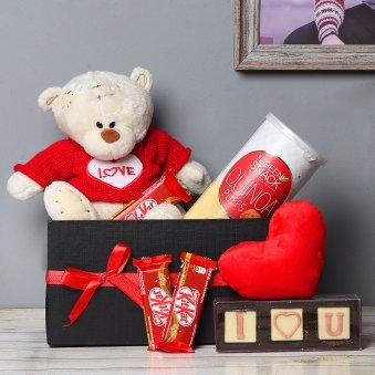 Love Illustrated - A Beautiful Love Hamper